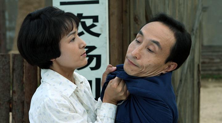 """舞台上的""""小男人""""——巩汉林"""